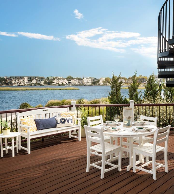 Trex Outdoor Furniture Dining Set on Deck